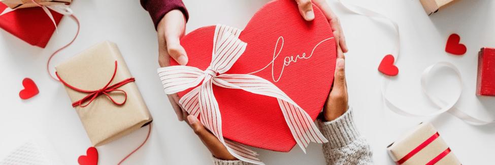 Ce cumpără românii și câți bani cheltuie de Valentine's Day