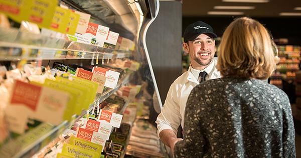 Süpermarketler yalnızca ürün mü satar?