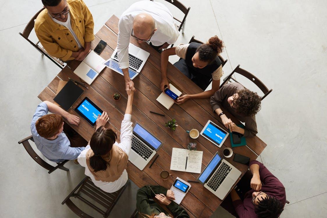 «Живое дело» – партнер в реализации смелых изменений в жизни людей и бизнеса