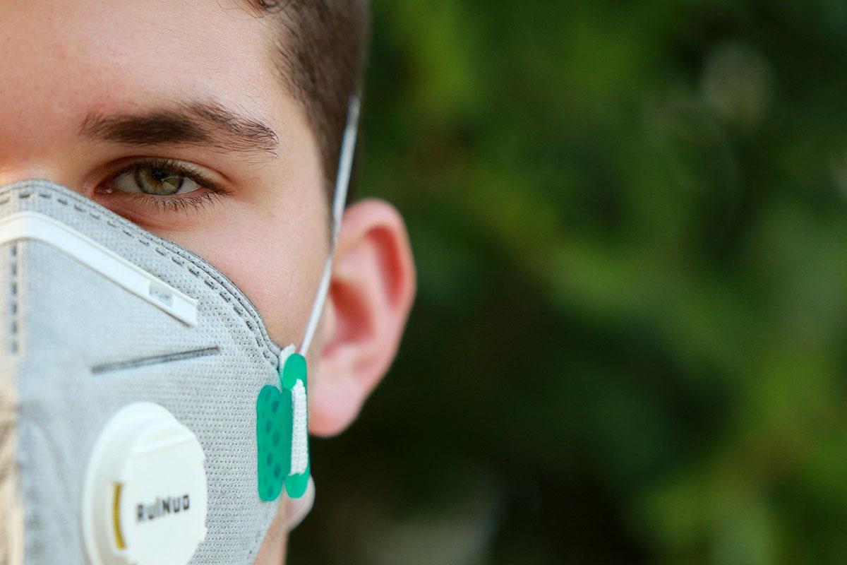 STUDIU 4Service Group: 4 din 10 români cred că numărul de îmbolnăviri va crește exponențial, fiind posibil să contracteze virusul în perioada următoare