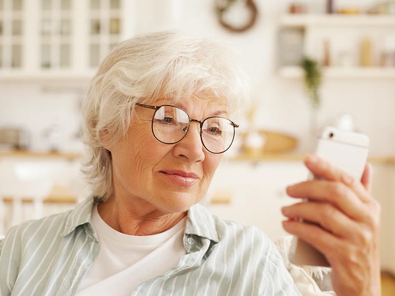 Маркетинговое исследование: Зачем бабушке смартфон. Тестирование онлайн сервисов старшим поколением